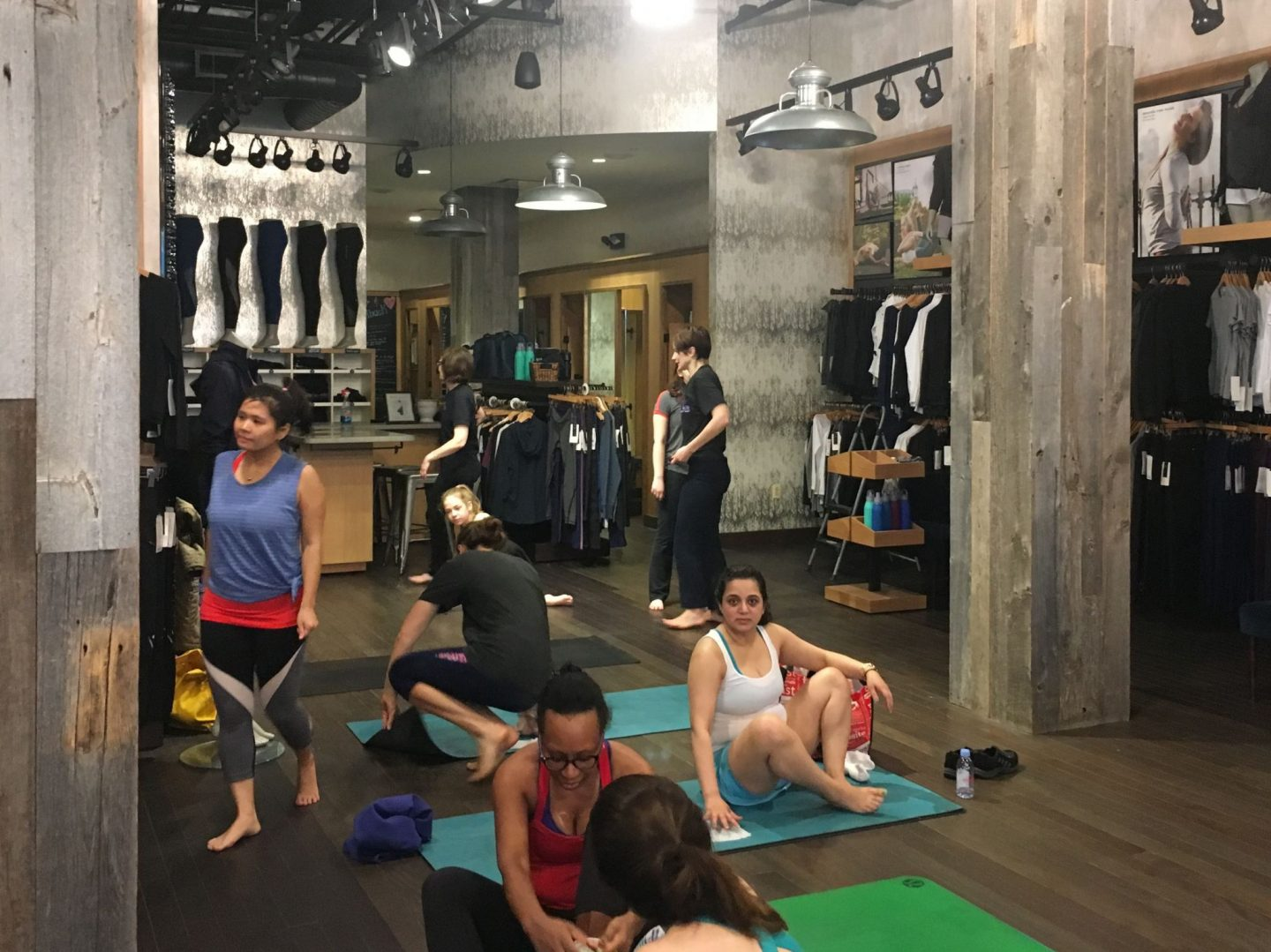 Free yoga at Lululemon